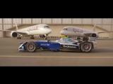 Гонка болида и двух самолетов в аэропорту Дохи