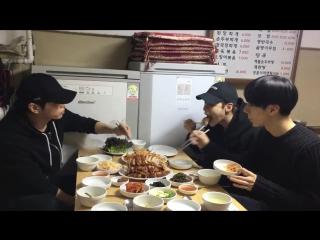 "191117 Джонхён и Тэмин на шоу ""Wednesday Food Talk"""