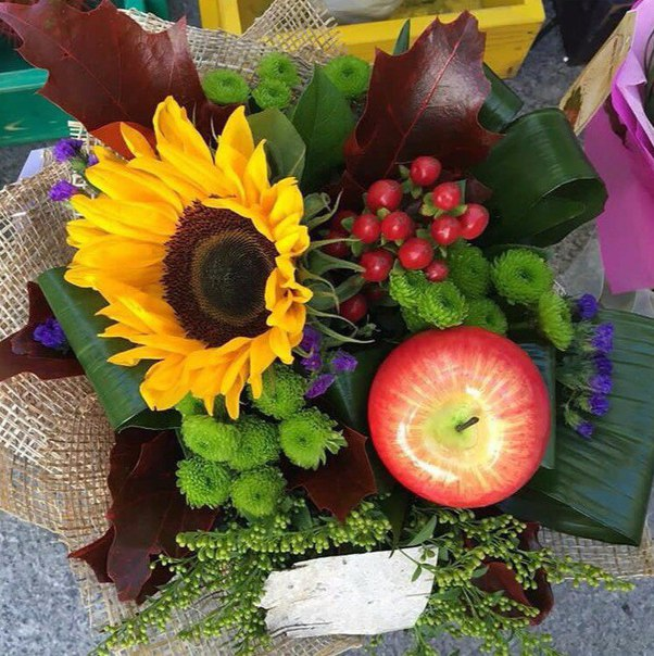 Букеты из фруктов и цветов на 1 сентября своими руками, цветов санкт-петербург шампанское