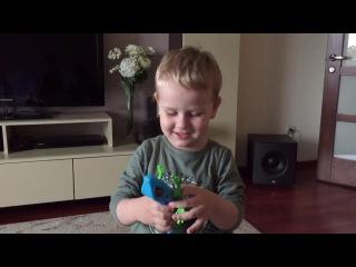 Робоящерица! Даня и кот Ларс открывают новый подарок! Zuru Robo alive