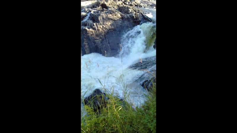 мельничный водопад на реке титовка