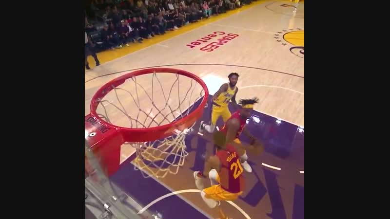 4 on 1 No problem for JaVale