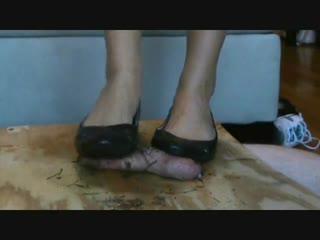 Dirty flats cock crush / foot fetish