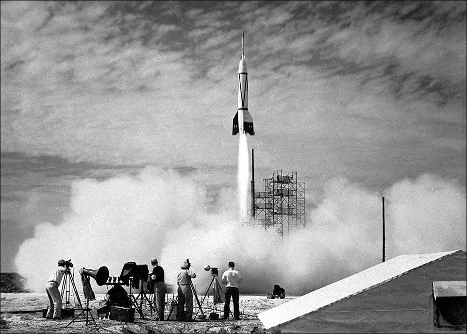 Первый запуск ракеты с мыса Канаверал, штат Флорида, 1950 год.