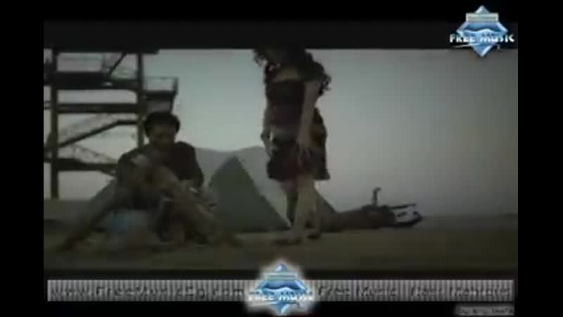 Tamer_Hosny_-_3enaya_Bet7ebbak_(Music_Video)_|_(تامر_حسني_-_عينيا_بتحبك_(فيديو_كليب(240p).mp4