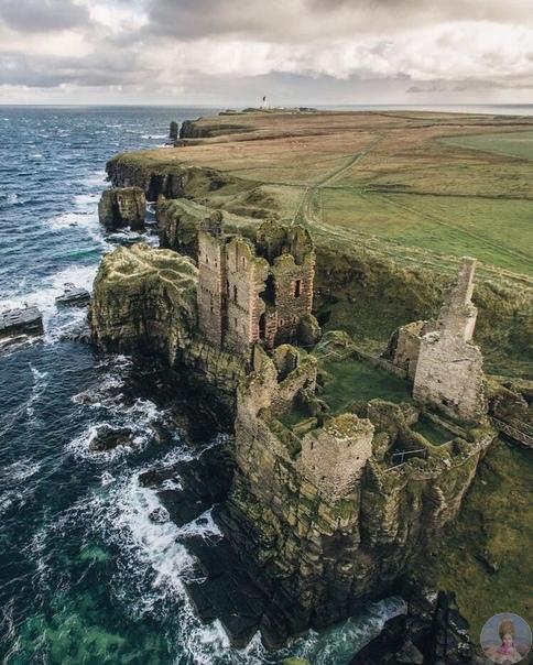 Остатки замка в Шотландии