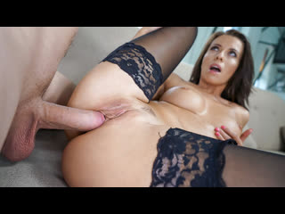 Vicky Love - Tasting Her Exotic Fruit / Трахает мать в униформе Incest, MILF, Mom, Mother, Mommy, Taboo, Son sex mom