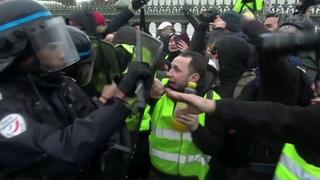 ПоФранции прокатилась одиннадцатая волна демонстраций «желтых жилетов». Новости. Первый канал