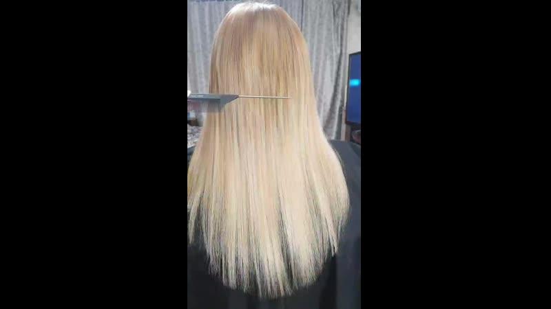 Была проделана большая работаВыход из каштана в блонд  1.снятие волос 2.смывка цвета 3.тонирование 4.наращивание 5.укладка