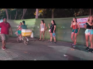 4k ultra hd. beach road pattaya — how much freelancers - with subtitles