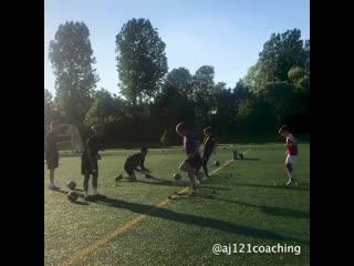 Футбольные упражнения на координацию, работу ног и пас.