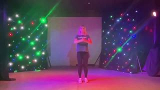 Танцевальный фитнес-разминка - Зумба от Александры Филипповой.
