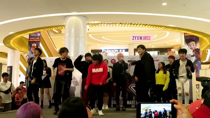 190329 - D-Crunch Diamond Stealer in Malaysia - Cover Dance Competition with Fans @ Sunway Velocity