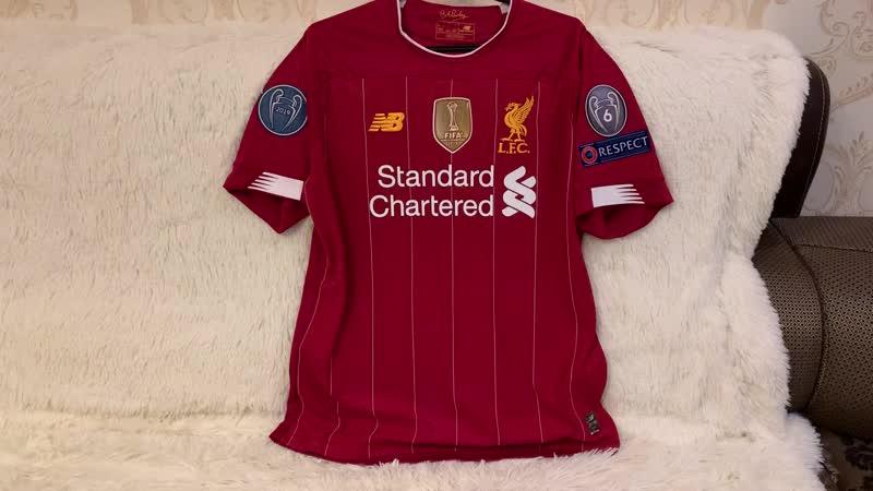 Обзор домашней футболки Ливерпуля с нашивкой КЧМ