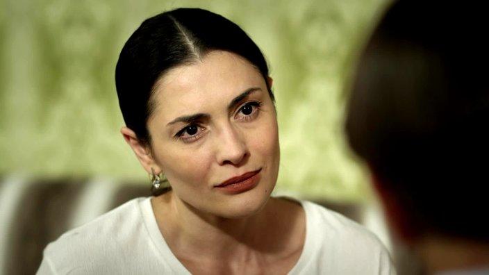 Смотреть онлайн сериал Цыганка 1 сезон 19 серия бесплатно в хорошем качестве