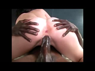 Very sexy brunette wife fuck her first huge black cock hd homemade bbc blacked interracial шлюшку трахает любовник негр домашнее