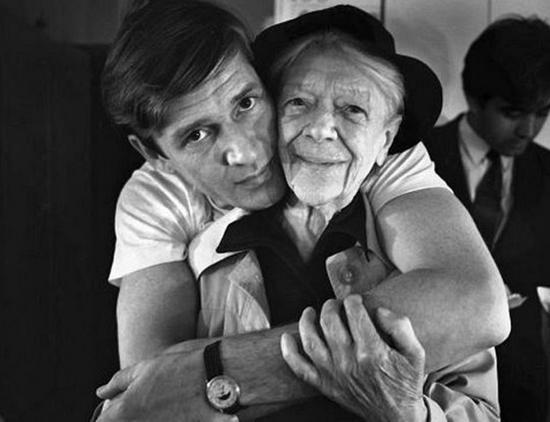 Любимая бабушка Советского Союза, изображение №3