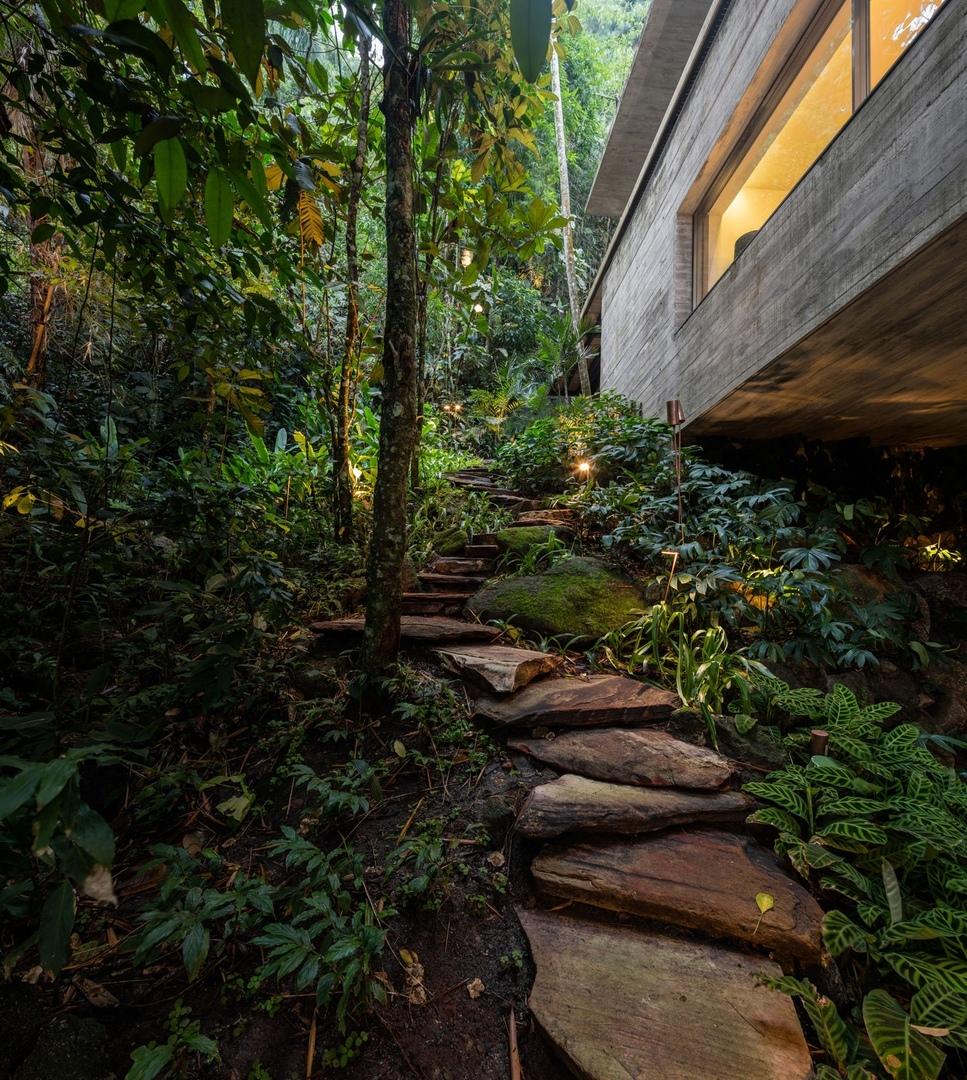 Casa Na Mata By Studio MK27