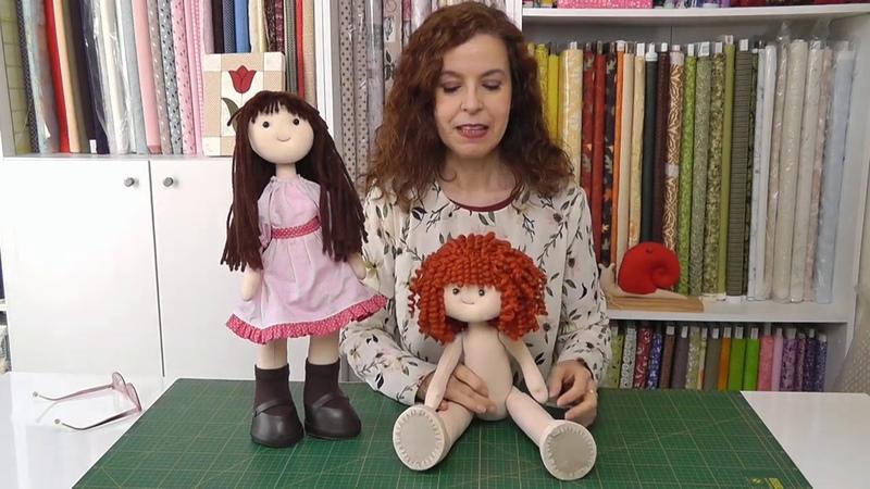 Cómo hacer una muñeca de tela que se queda de pie