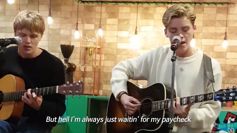 New Hope Club Paycheck Acoustic in Fan meeting in Seoul
