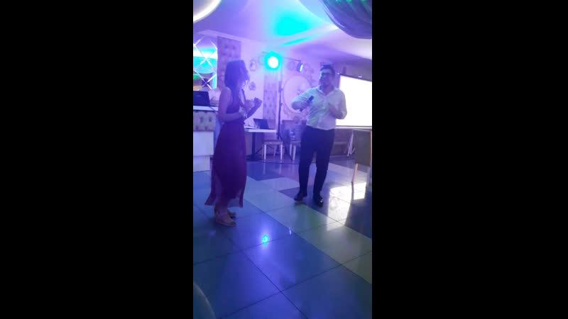 танец свидетелей Димы и Лизы