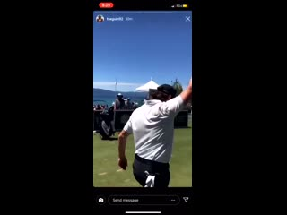Tjoshie sinking buckets on the golf course