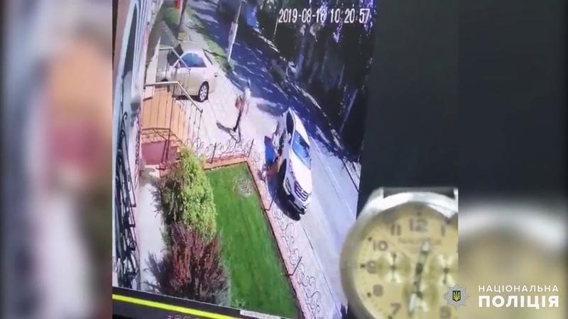 В Николаеве пьяный водитель врезался во внедорожник и пешеходов