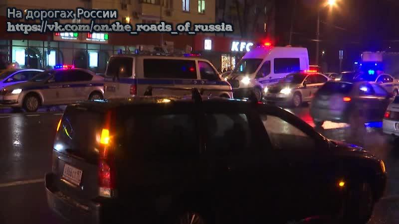 В ДТП с участием шести машин в Москве погиб один пассажир