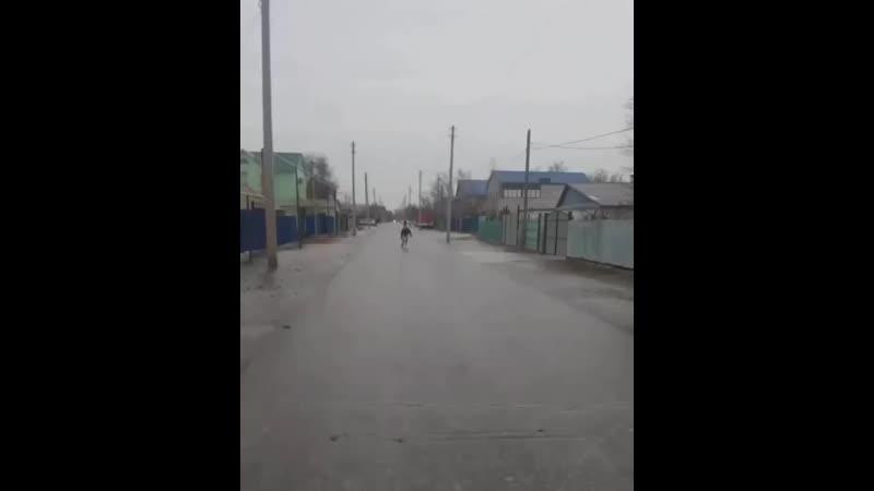 Атырау қаласындағы тас жолында қыс мезгілінде Медеуге бару қажеті жоқ сияқты