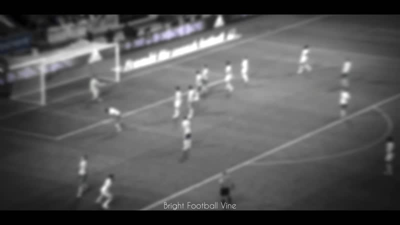 Забил с лёту IVANOV Bright Football Vine