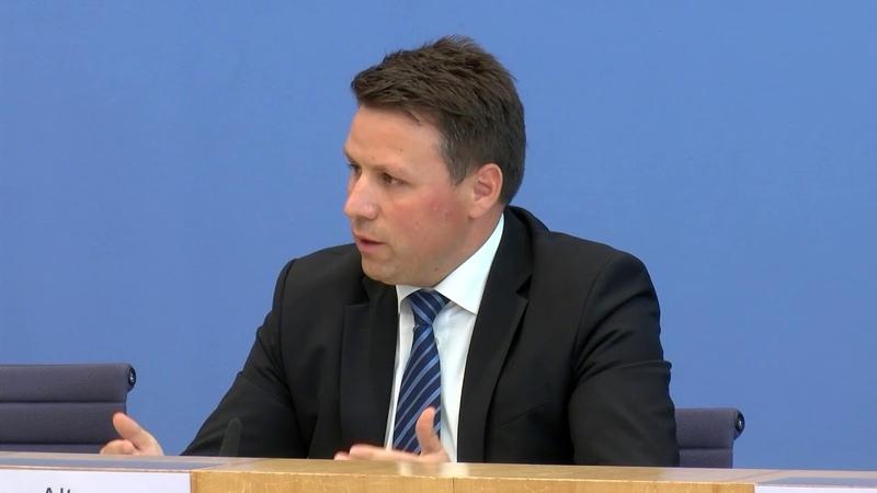 Innenministerium Gefahr durch Rechtsextremismus sehr hoch