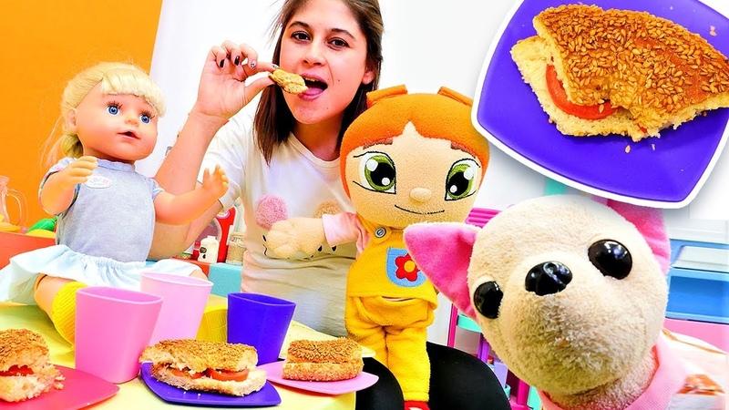 Ayşe Gül Lili ve Loli için simitten tost yapıyor Çocuklar için yemek tarifleri