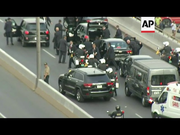 Pope's car suffers flat tyre en route to Lima