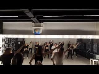 K-POP DREAM STUDIO - EVERGLOW - DUN DUN by Tim