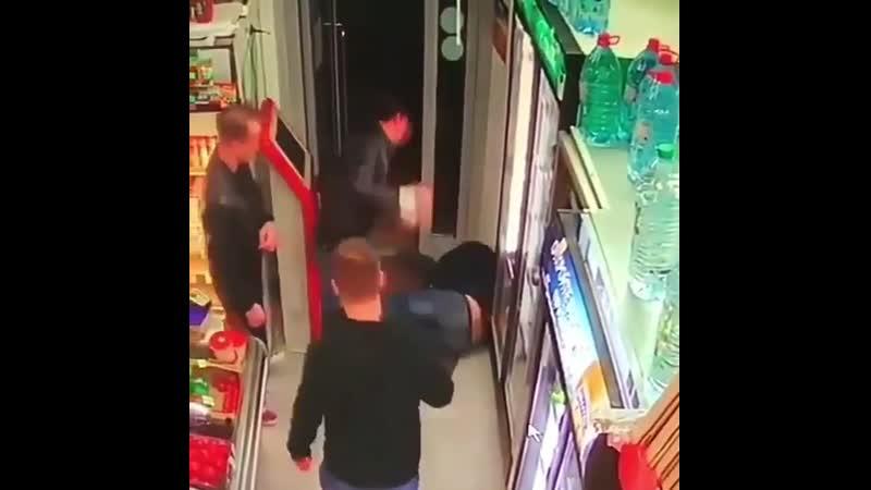 Азербайджанец наказал наглово армяшку