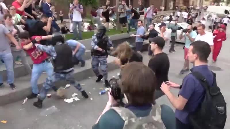 СК опубликовал видео с летних акций протеста