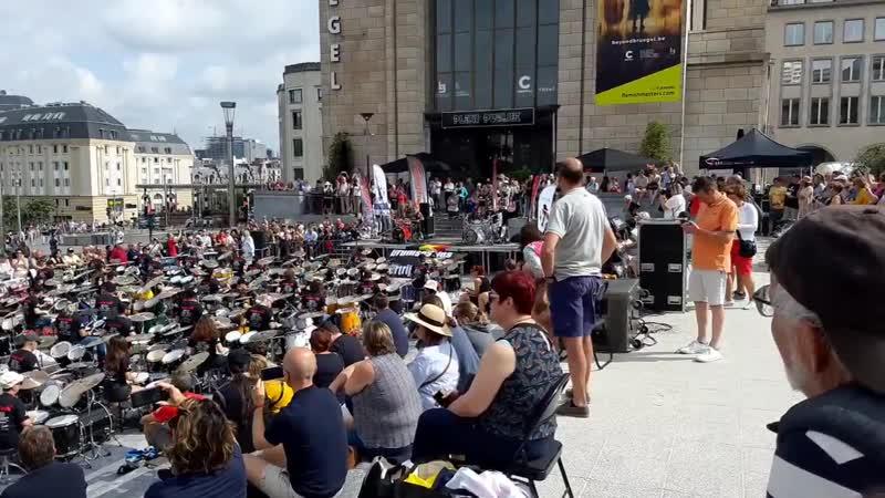 500 барабанов Нац день Бельгии 20190721_105224