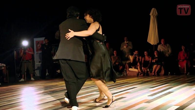 Julio Balmaceda y Corina de la Rosa Orquesta Típica Victor Sin Rumbo Fijo