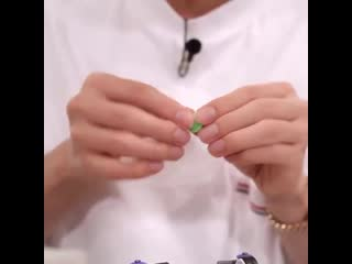 Thank you run for this close up of seokjin's hands, thank u really