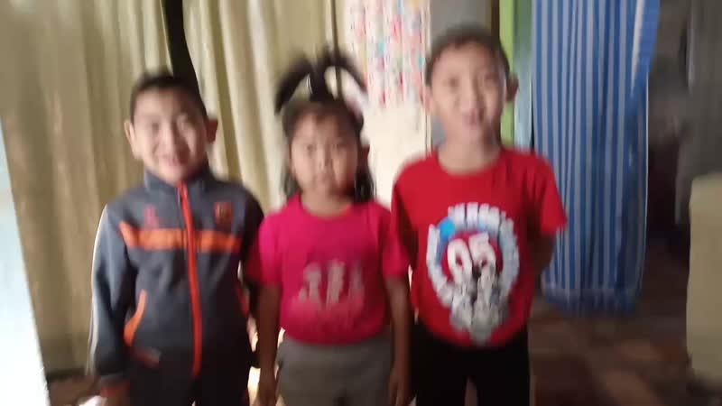 детишки поют папе