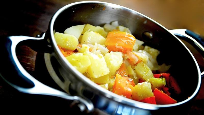 Жаркое из картофеля тыквы и лука