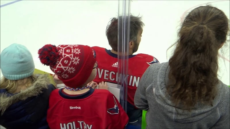 Alex Ovechkin knows how to make young Russian fans smile!