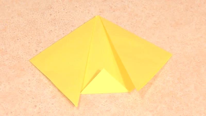Простая поделка оригами из бумаги Кот