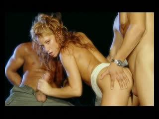 Частная жизнь Джулии Тейлор (disc2) / Private Life Of 9 Julia Taylor (2003)