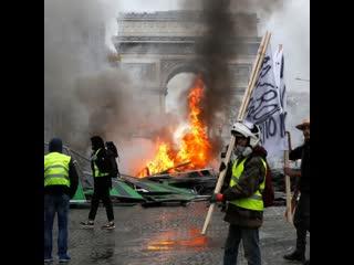 Как наказывают за несанкционированные митинги в разных странах