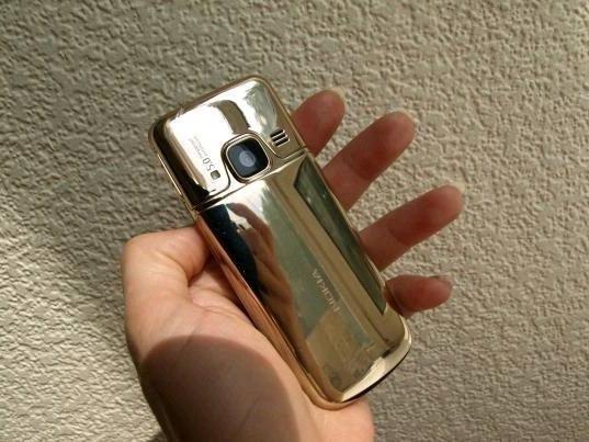 Не переношу телефоны сенсорные, взяла Nokia 6700 реплика...
