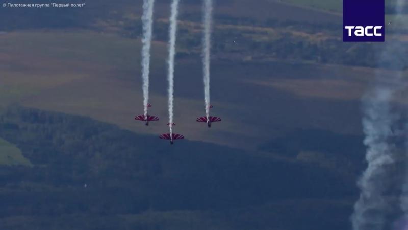 Пилотажная группа Первый полет установила мировой рекорд по исполнению петли Нестерова