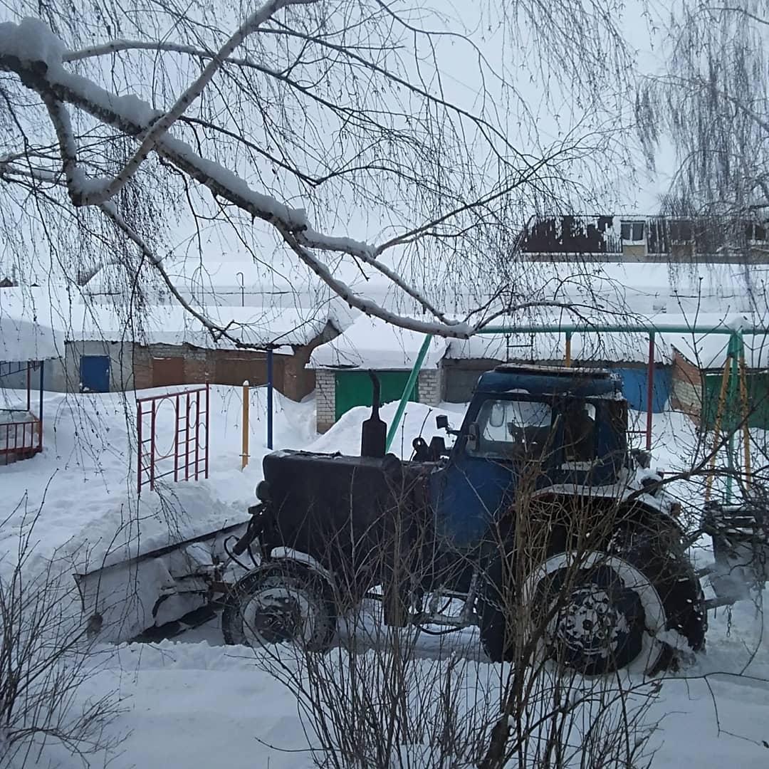В Петровске устраняют последствия трёхдневного снегопада