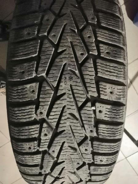Продам шины зимние хакка 7 215-55-17 износ 10-15...