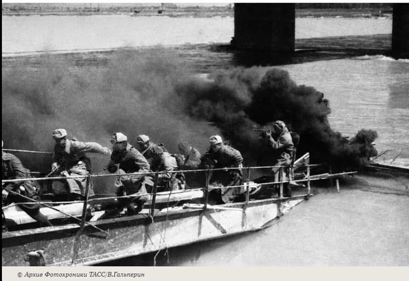 В этот день 76 лет назад, 29 марта 1945 года, войска Красной Армии, развивая наступление на территории Венгрии, вышли к границе Австрии